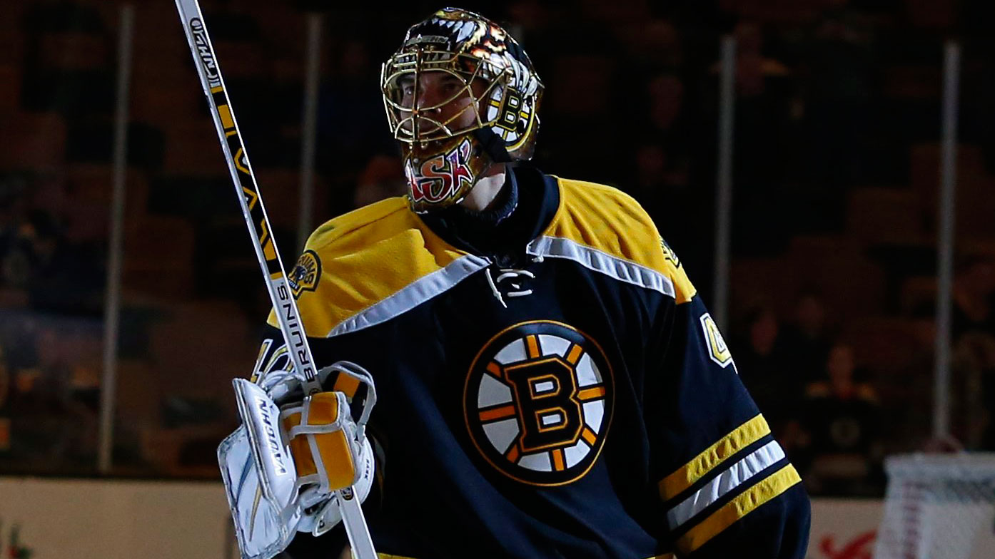 Tuukka Rask pays tribute to Patriots with Winter Classic mask - Sportsnet.ca 3a7c59833
