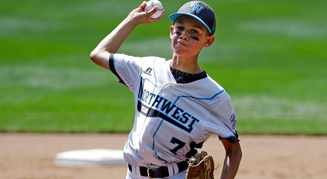 Little League coach tells son he loves him during mound visit