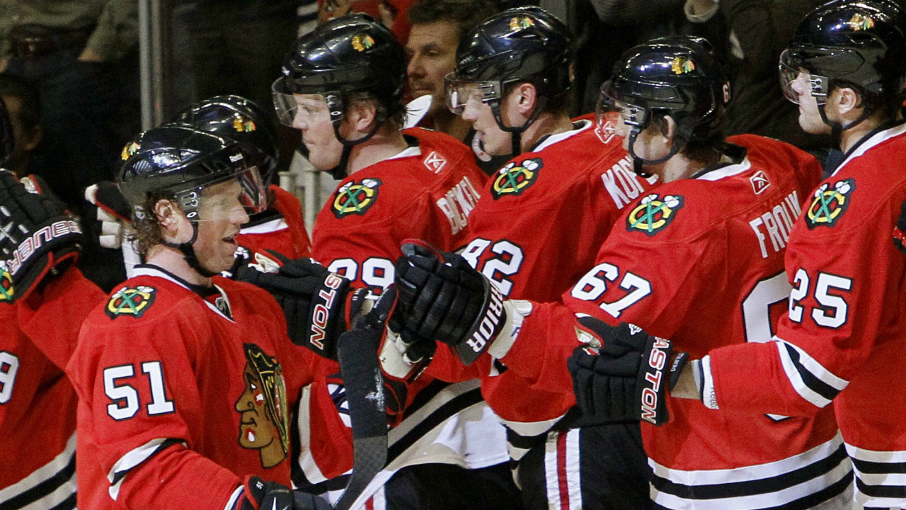 Brian-campbell-and-a-happy-bunch-of-blackhawks