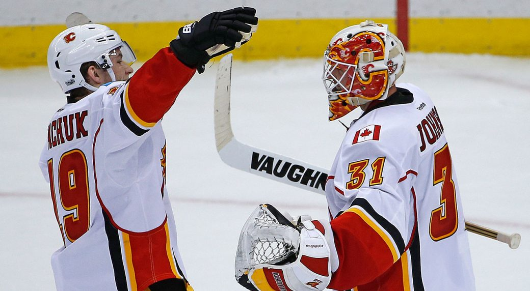 Flames put the heat on Flyers, who lose in Calgary