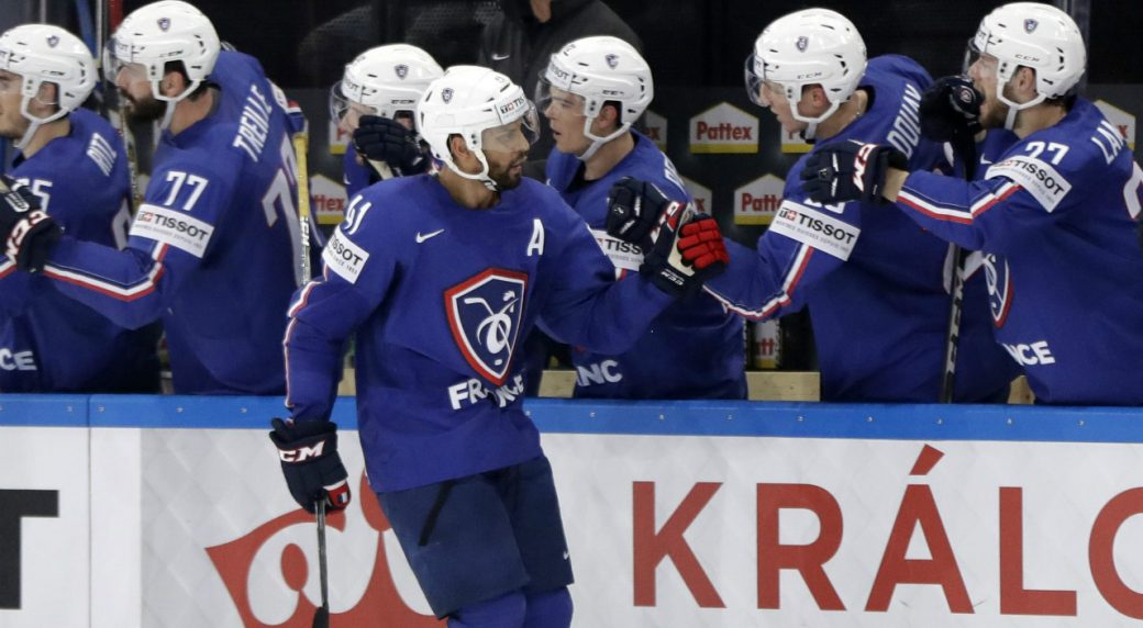 WORLDS: Pierre-Edouard Bellemare Helps France Win, Then Shows His Selflessness (video)