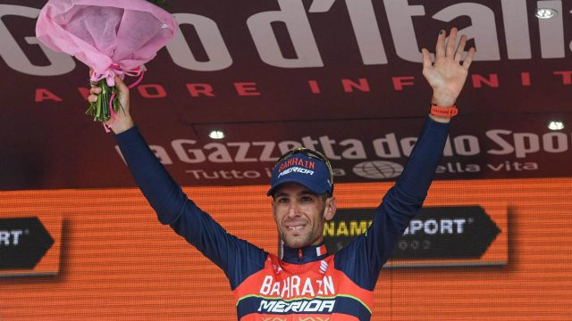 Italy's-Vincenzo-Nibali-celebrates-on-podium-after-winning-the-16th-stage-of-Giro-d'Italia,-Tour-of-Italy-cycling-race,-from-Rovetta-to-Bormio,-Tuesday,-May-23,-2017.-(Alessandro-Di-Meo/ANSA-via-AP)