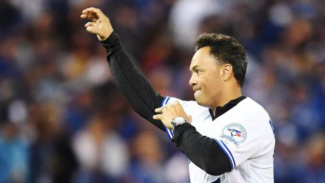Roberto-Alomar,-who-helped-the-Toronto-Blue-Jays-capture-back-to-back-World-Series-titles-in-the-early-1990s,-is-stepping-up-to-the-plate-to-try-to-keep-Edmonton's-river-valley-ballpark-from-the-wrecker's-ball.-(Frank-Gunn/CP)