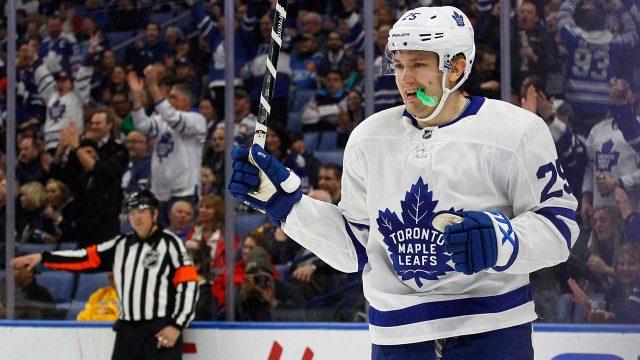 Toronto-Maple-Leafs-forward-James-Van-Riemsdyk