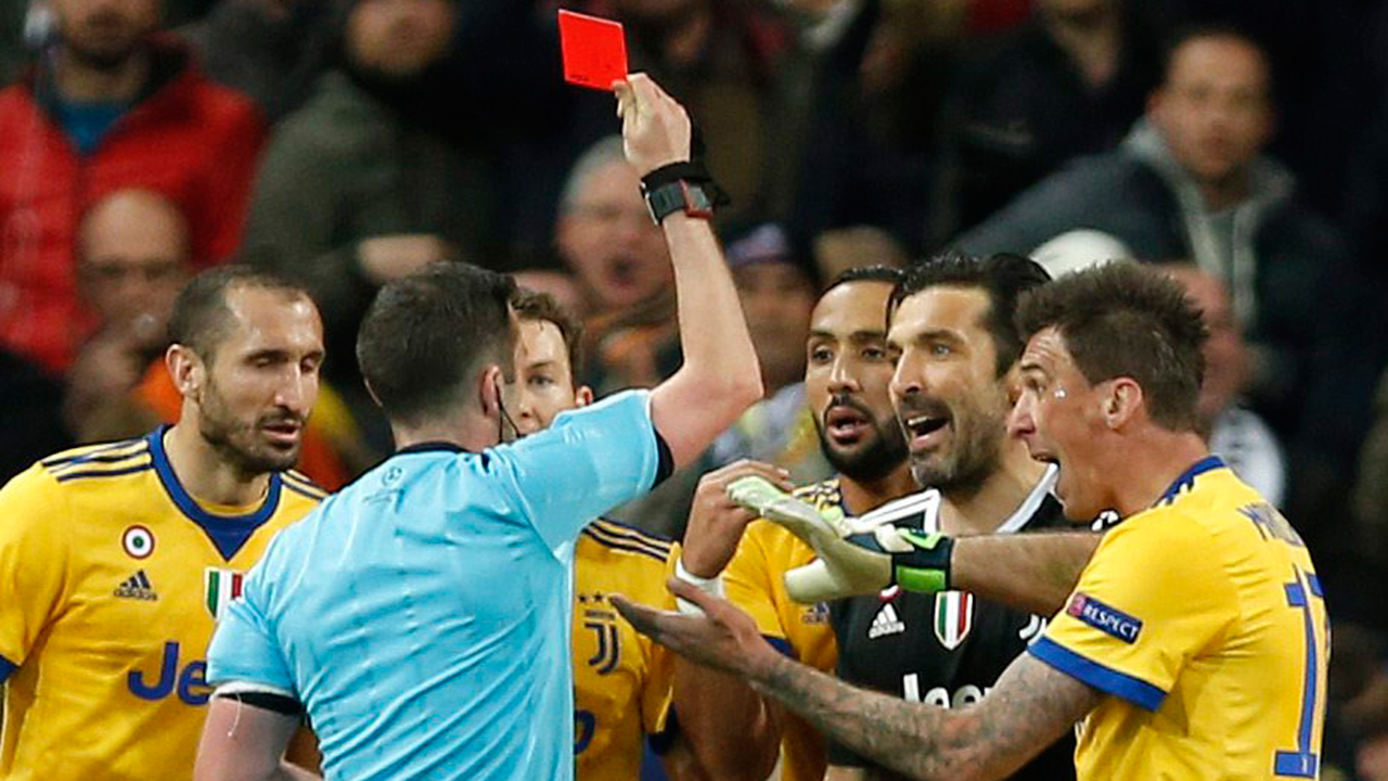 Juve's Buffon slams referee after late penalty and red card