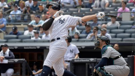 new-york-yankees-aaron-judge-hit-home-run
