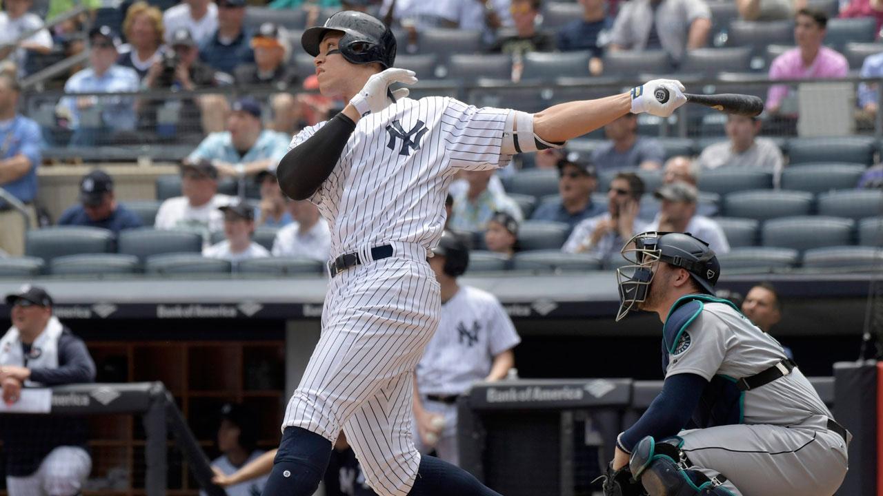 New-york-yankees-aaron-judge-hit-home-run