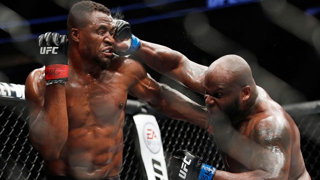 francis-ngannou-gets-punched-by-derrick-lewis-ufc-226