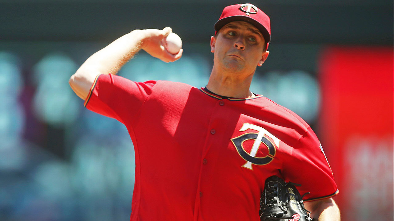 Jake_odorizzi_throws_against_the_orioles