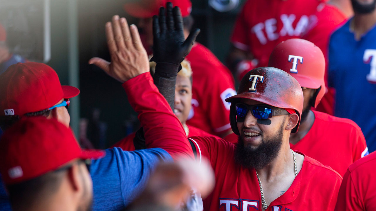 Rougned-odor-celebrates-home-run
