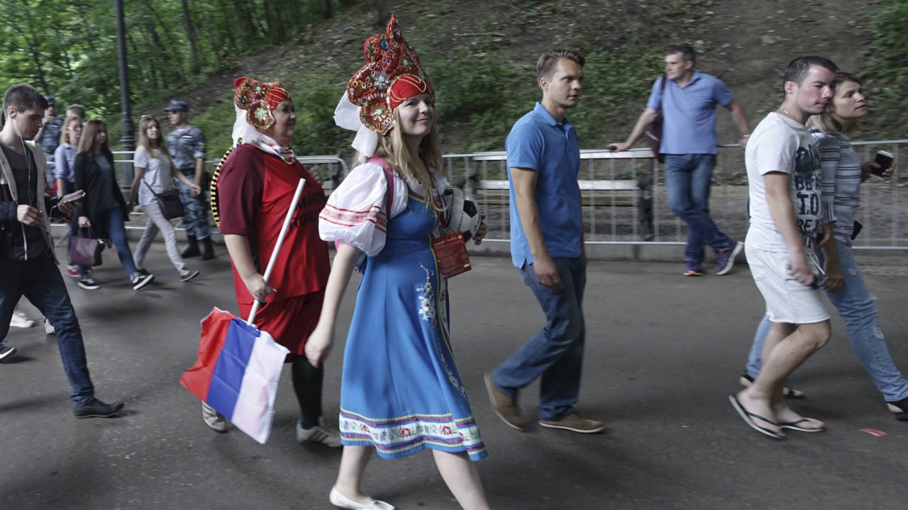 Russians advised to shower in pairs because of World Cup