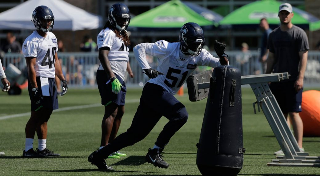 Seahawks hope Barkevious Mingo can be dual threat on defence ... 71b5b6275