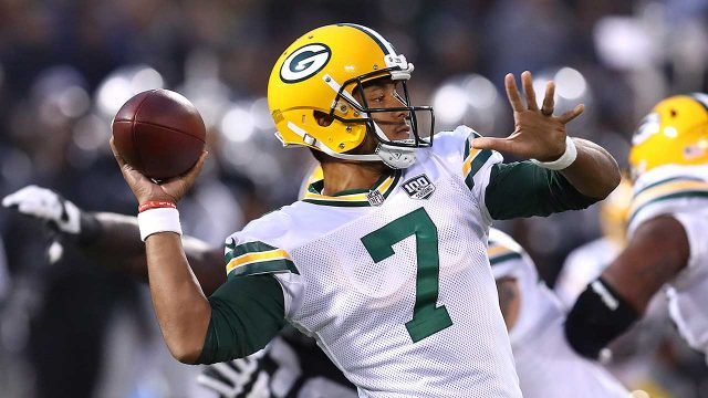 Source  Seahawks acquire QB Brett Hundley from Packers d604ad33e
