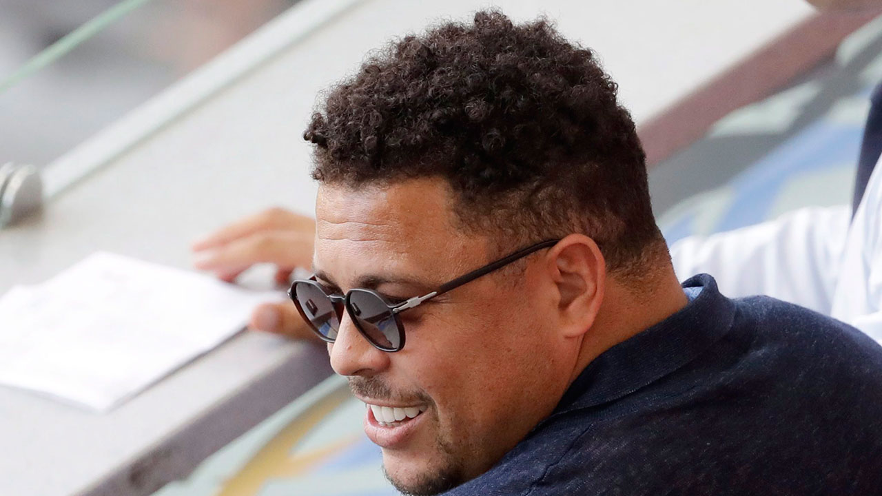Brazil great Ronaldo leaves hospital after bout with flu