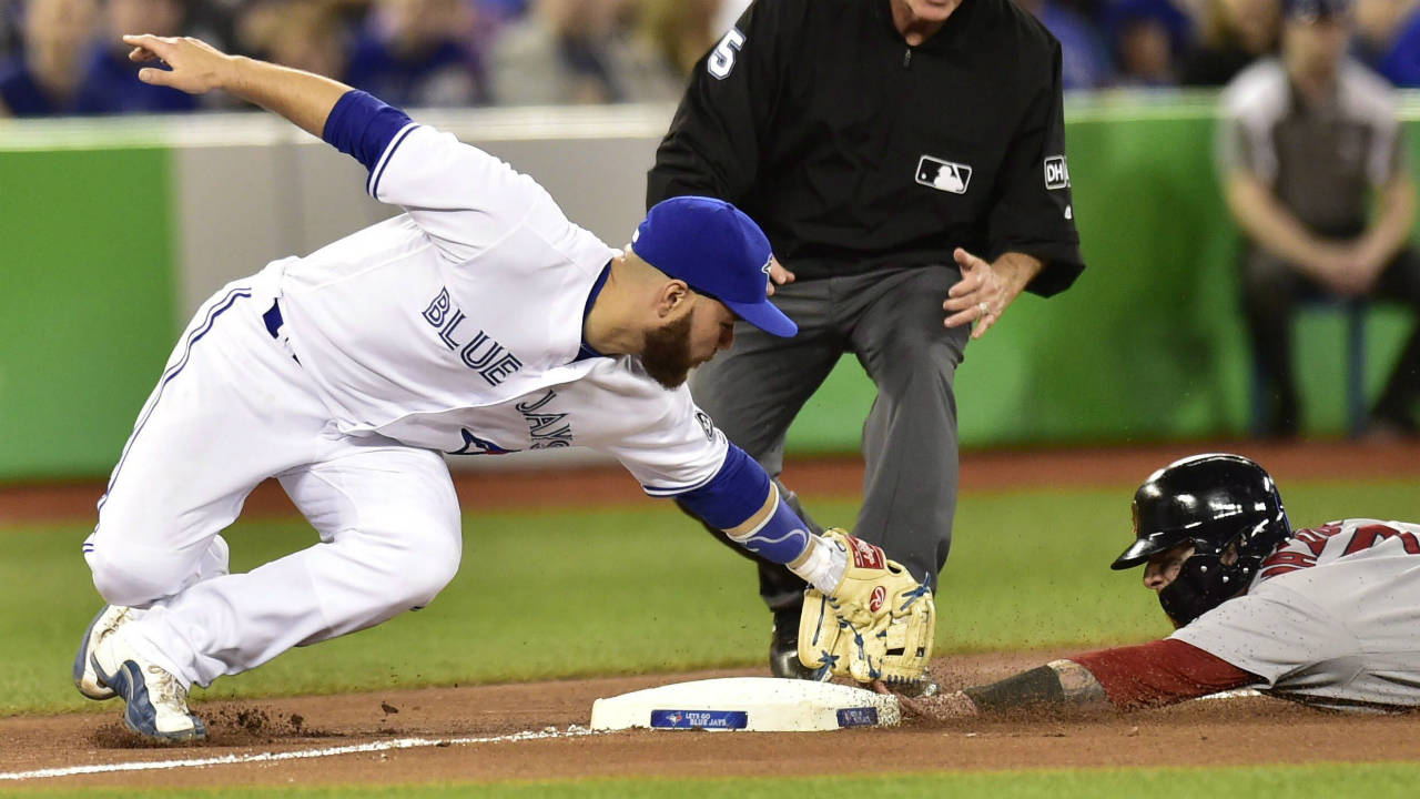 Russell-martin-third-base-tag