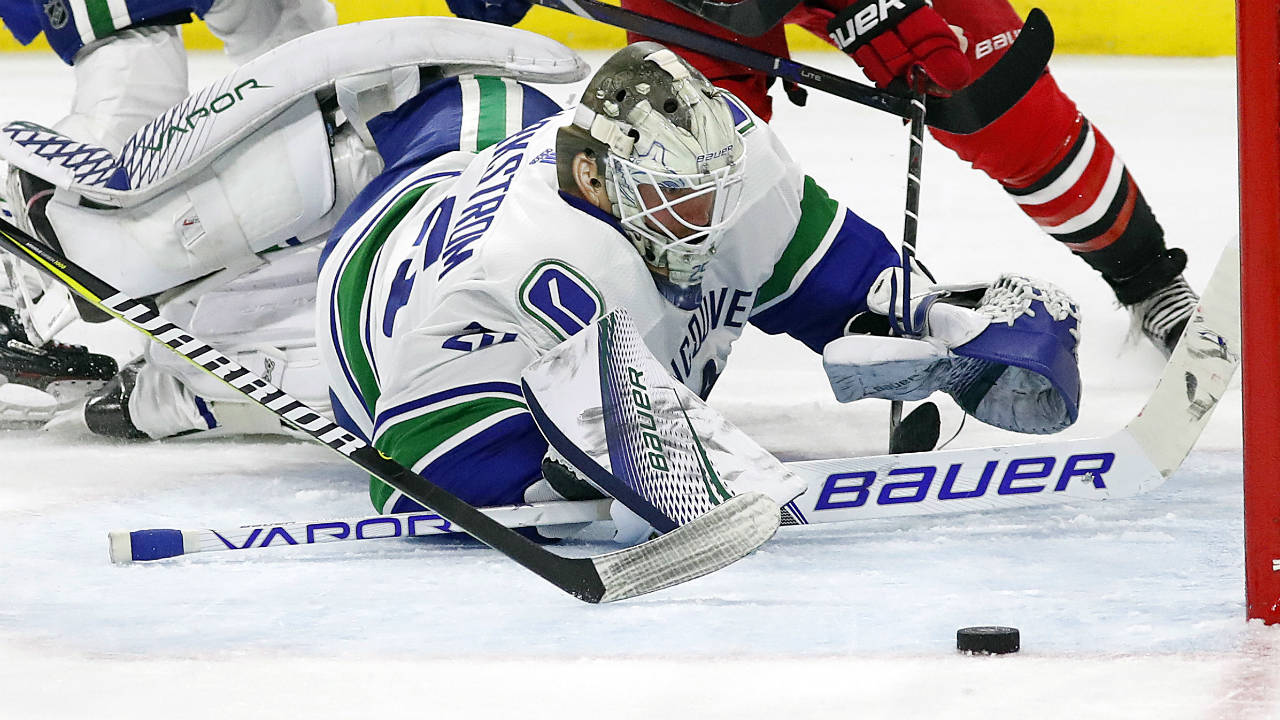 Canucks continue to struggle keeping the puck out of their net - Sportsnet.ca