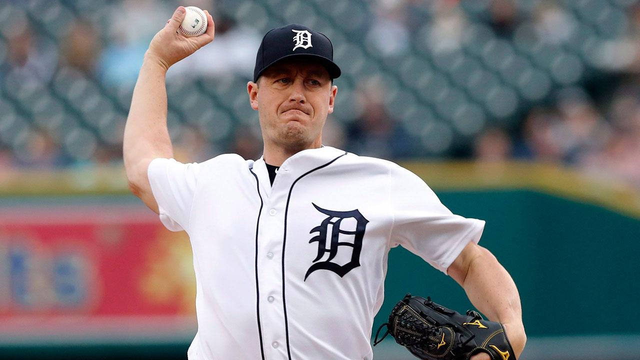 Jordan_zimmermann_throws_a_pitch