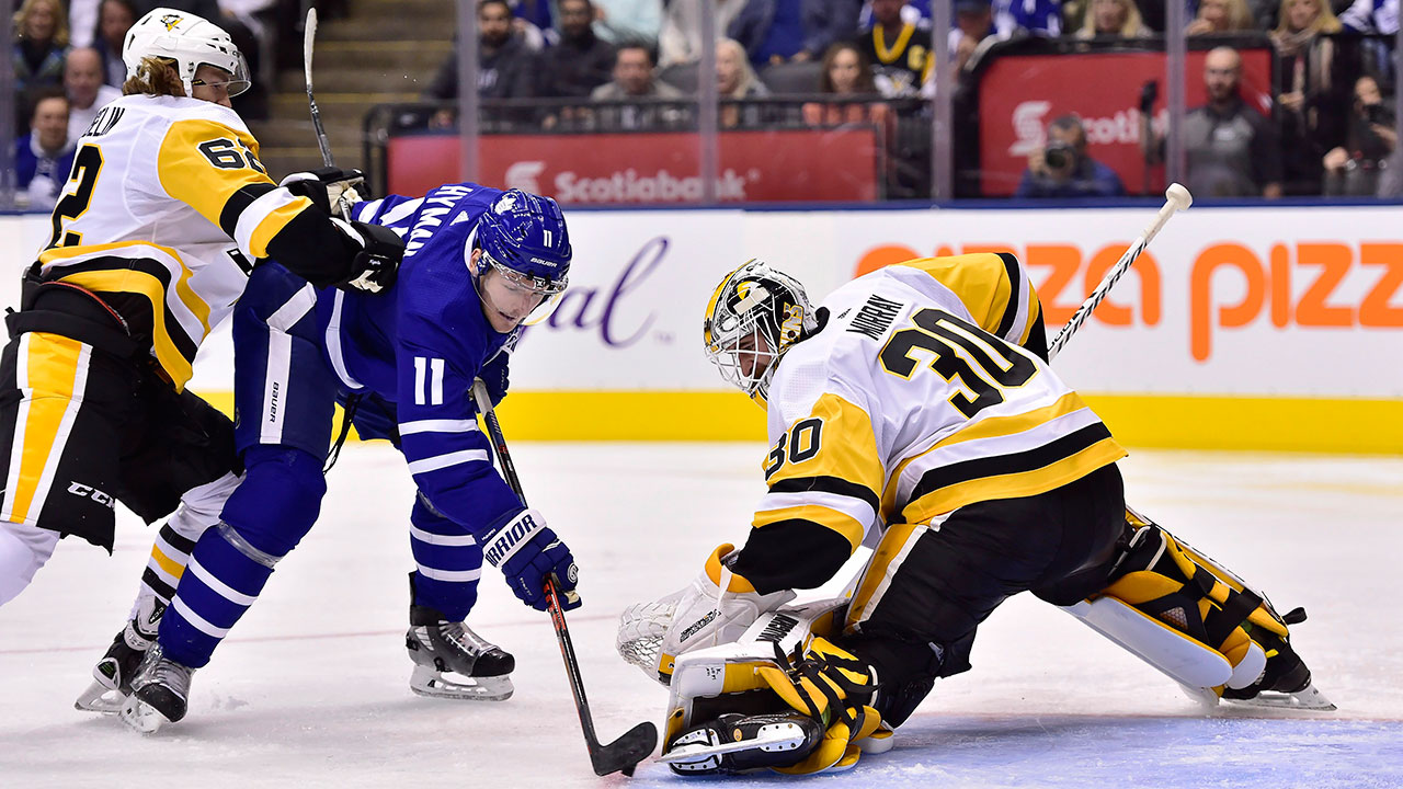 Malkin scores 2 as Penguins blank high-flying Maple Leafs