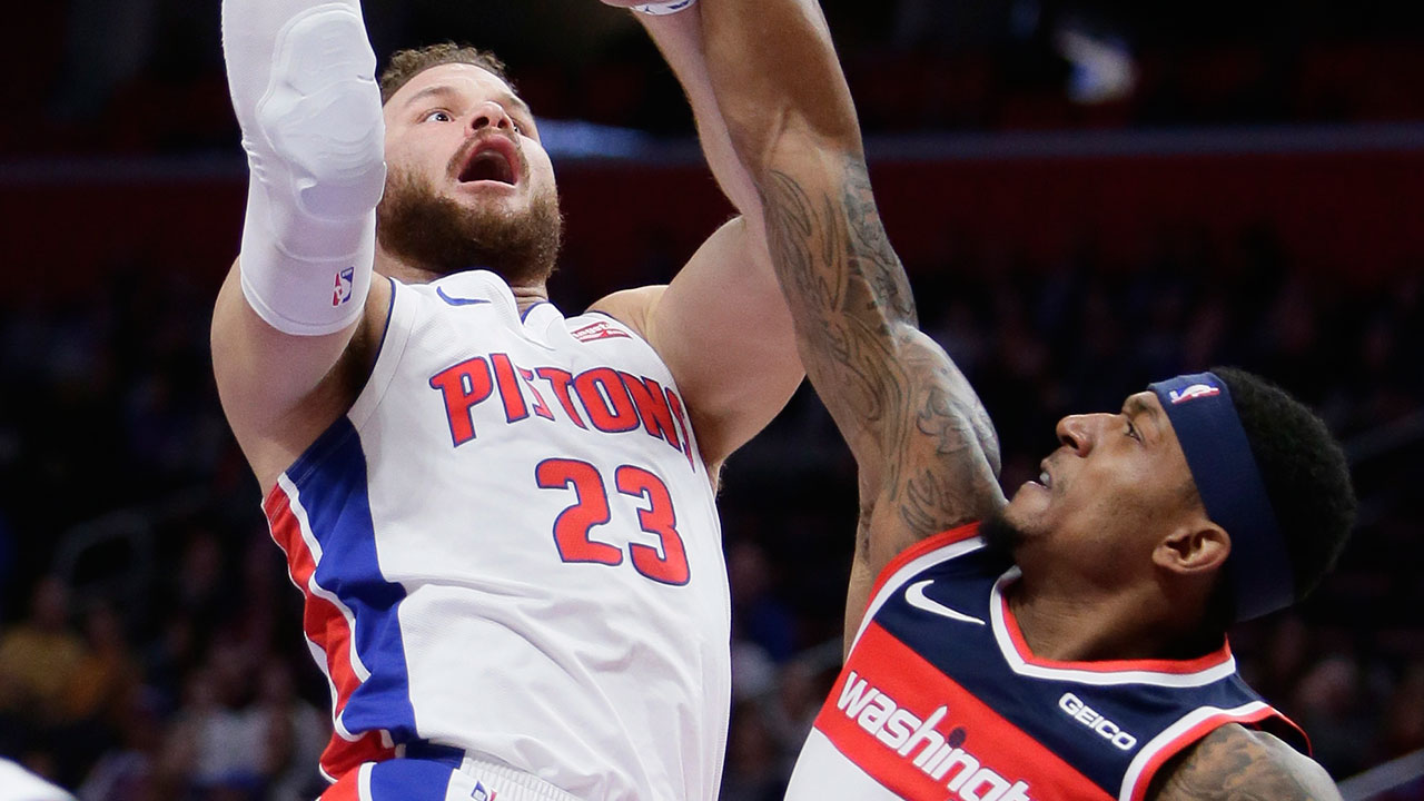 Bradley-beal-challenges-blake-griffin-at-the-rim