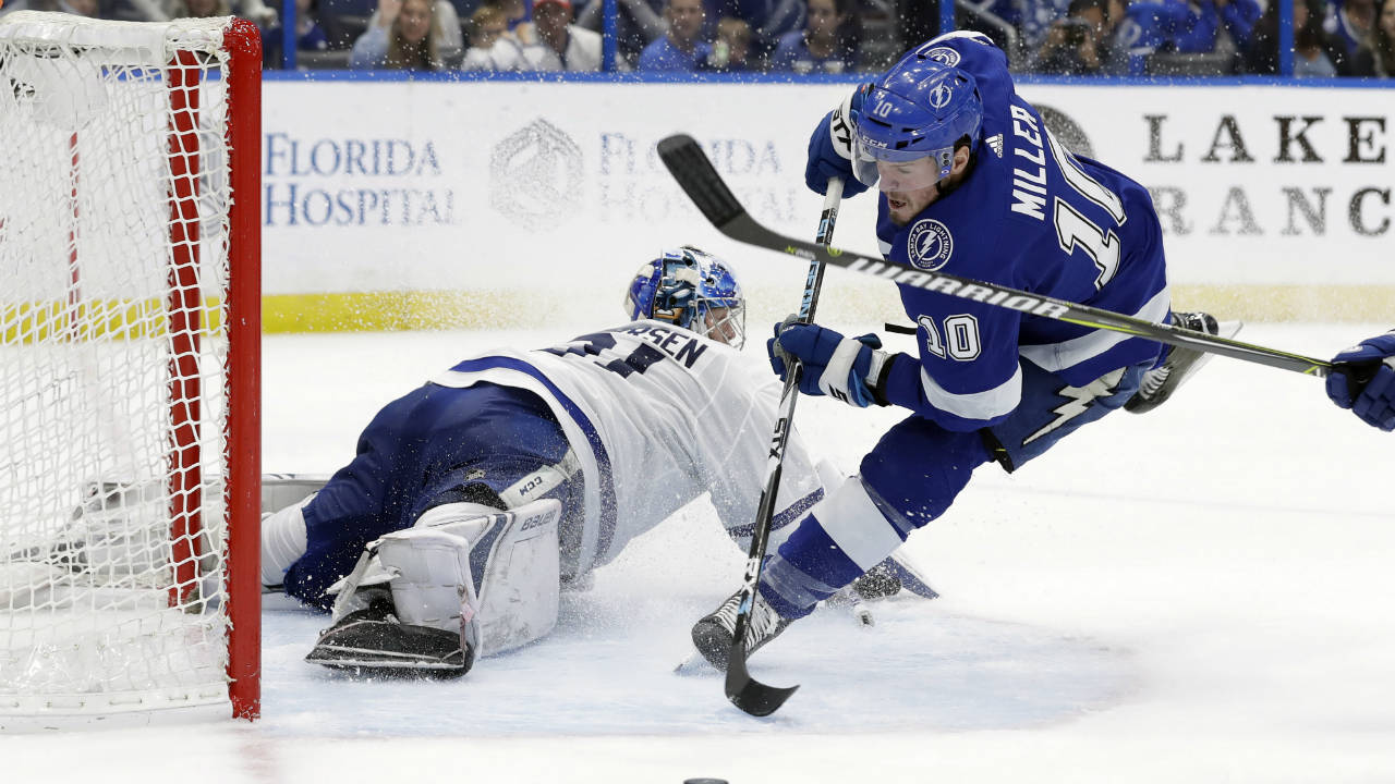 Leafs-Lightning lives up to billing with entertaining display