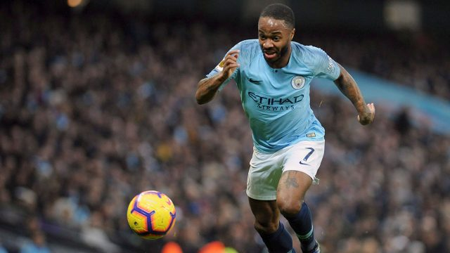 raheem-sterling-dribbles-the-ball