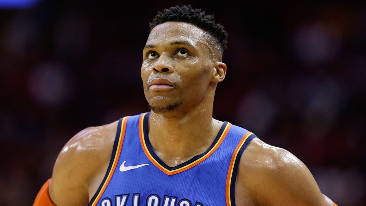 russell-westbrook-looks-at-the-scoreboard