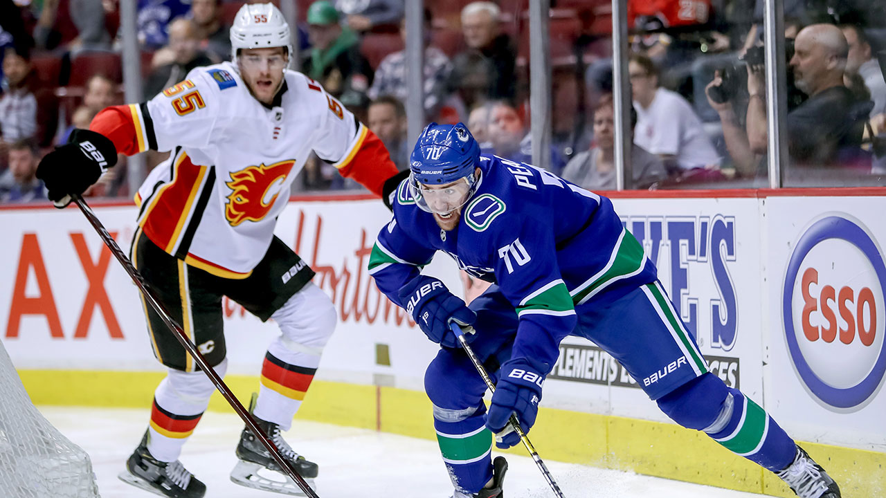 Giordano Adds To Total, As Canucks' Third Period Defensive Shell Again Provides No Offense