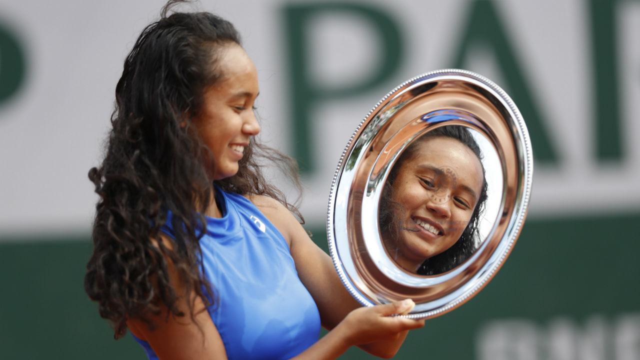Canada's Leylah Annie Fernandez wins French Open girls' title - Sportsnet.ca