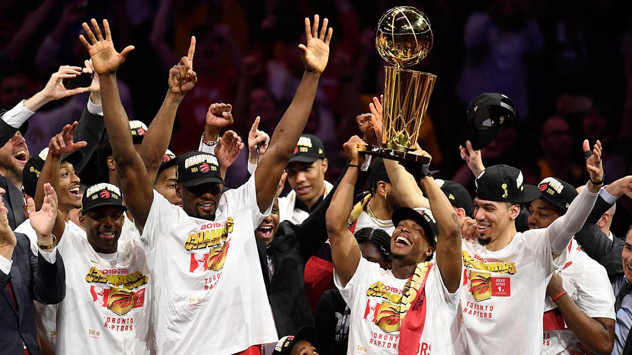 Chào mừng đến với kỷ nguyên mới tại NBA khi đội bóng nào cũng muốn vô địch ngay và luôn