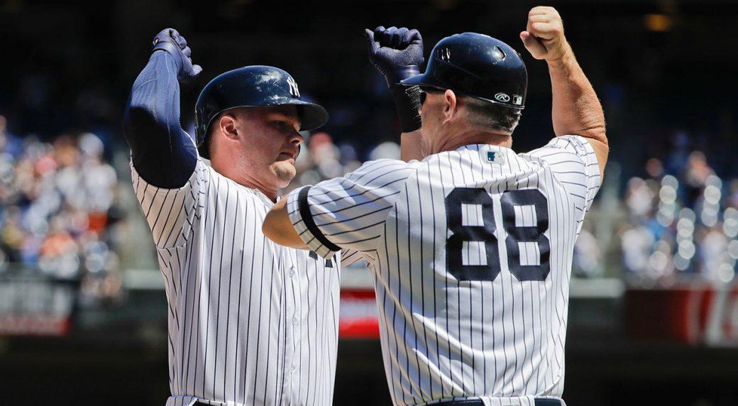 Mets earn lopsided Game 2 win, get split with Yanks